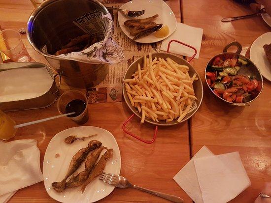 барабулька+фри+салат=объелись... - Picture of Barabulya Bar, Alushta -  Tripadvisor