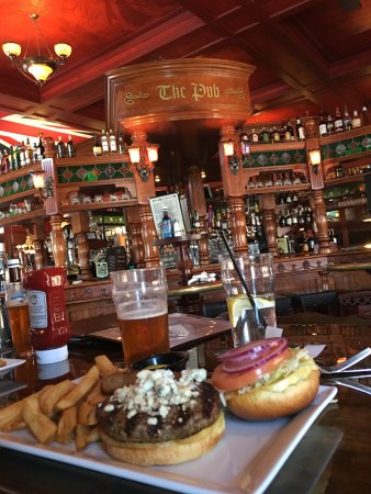 The Pub: Best burger in any town!