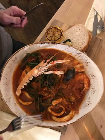 The Crab & Lobster Inn: Bembridge seafood stew