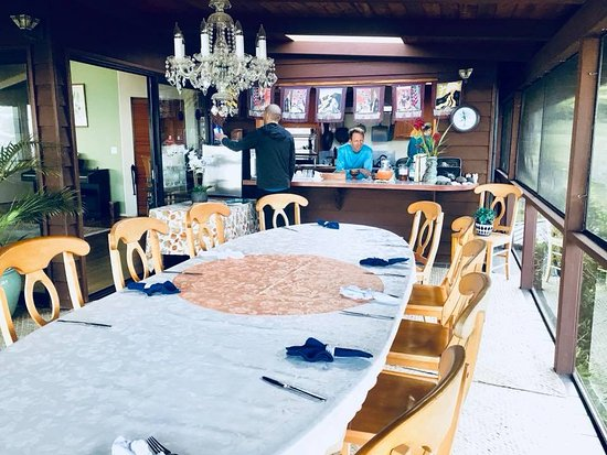 Aloha Guest House: Breakfast area and coffee nook