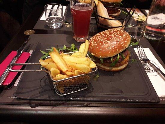 Hamburger du moment version 1 seul steack picture of au bureau