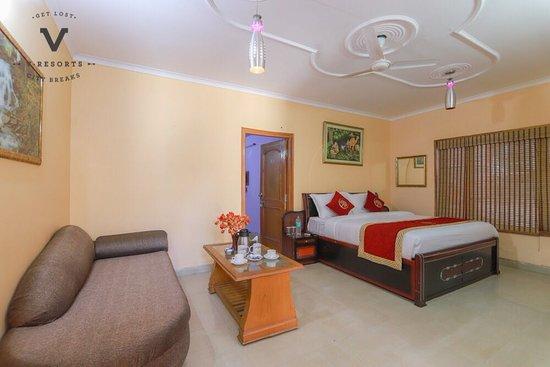 HOTEL OAKTEL (Nainital) - Hotel Reviews, Photos, Rate