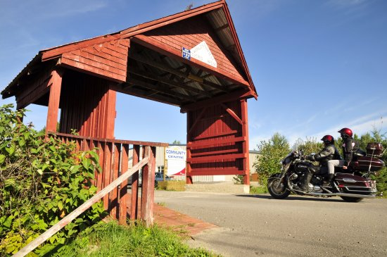 Latchford, Canada : World's Shortest Covered Bridge