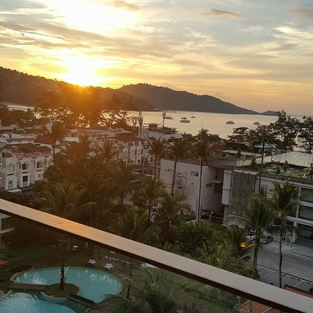 Patong Beach Hotel : photo1.jpg