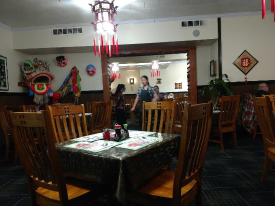 Tomah, WI: Peking Chinese interior
