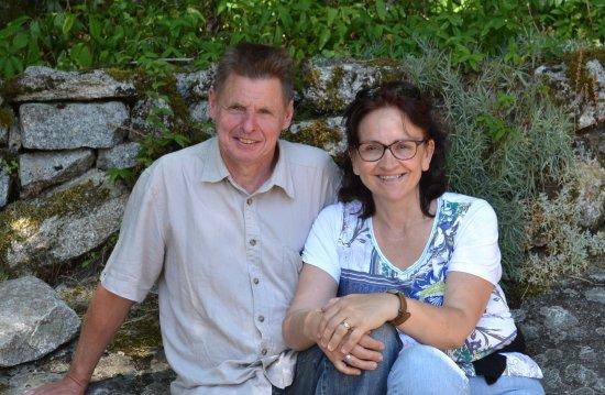 Lacrouzette, France: Domi et Sandrine vous accueillent au hameau de Thouy dans le Tarn