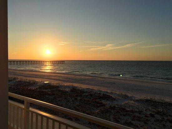Peg Leg Pete's: Sunrise at the beach