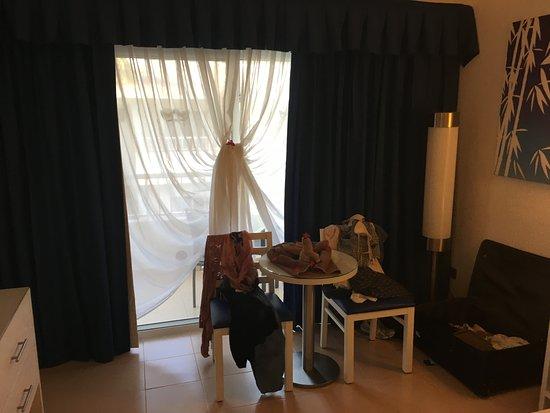 Zimmer Mit Gardinendeko 2 - Picture Of Clubhotel Riu Bambu, Punta