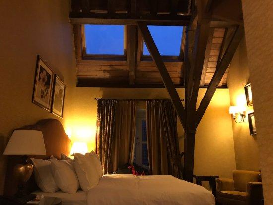 Grand Hotel Casselbergh Bruges: Há clarabóias...o quarto não escurece.