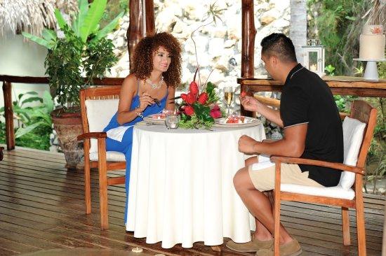 لوس ألتوس دي إروز: Enjoy a romantic three course gourmet dinner in the Spa.  