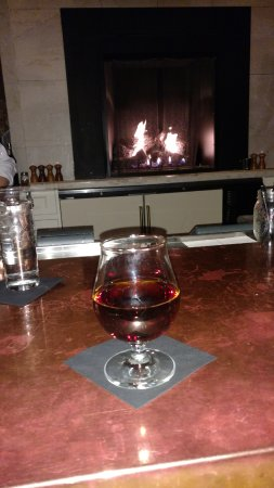 OAK Long Bar + Kitchen: Manhattan infused with smoked chai