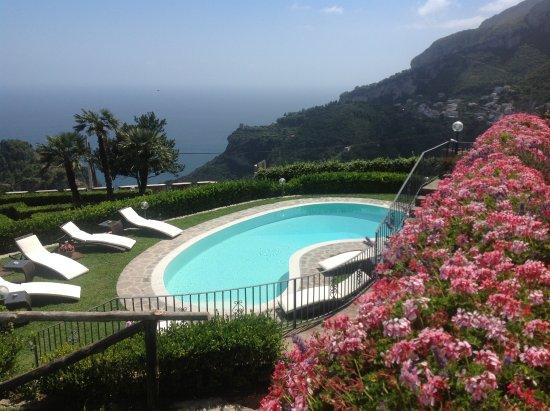 Scala, Italy: Swimming-pool oasis of relax - Villa Minuta