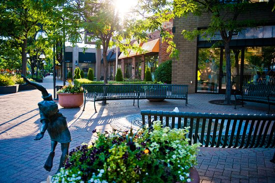 50th & France: Charming area for strolling