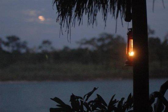 كوتوكوتشا أمازون لودج: Just a sample of the wonderful sunsets you can enjoy at Cotococha Amazon Lodge