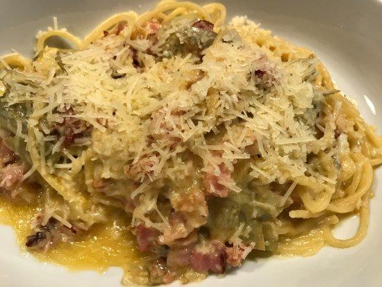 Amarone: Pasta Carbonara