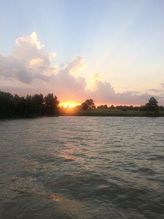 Willis, TX: Lake Access, beautiful sunsets