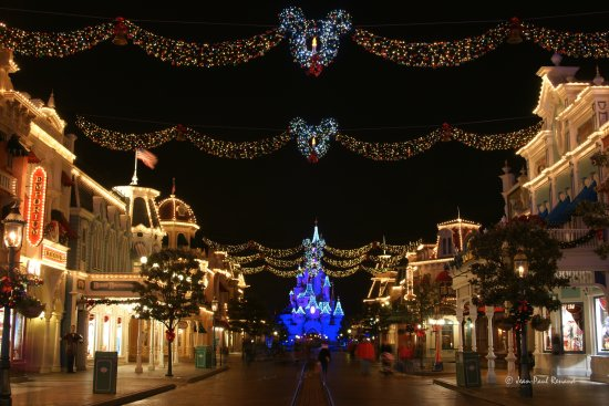 Christmas lights Main Street Disneyland Paris