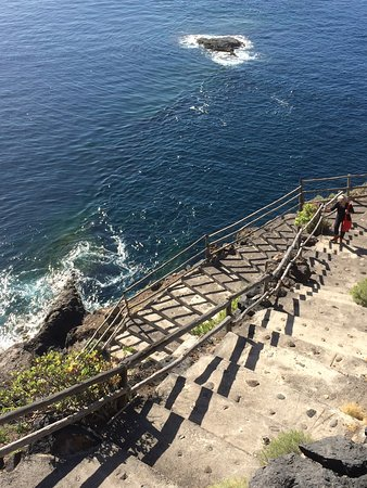 Puntagorda, สเปน: From the end of the road 463 steps lead down to the puerto
