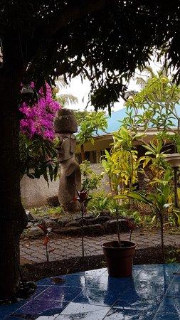 Hotel Gomero: jardines en un día de lluvia