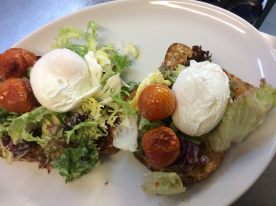 Alyth, UK: Now this is a firm favourite... the Pitcrocknie slant of Poached Eggs on Toast.