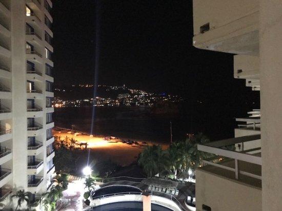 Playa Suites Acapulco: Excelete vista a la bahía