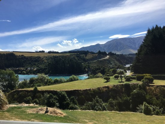 Rakaia, Yeni Zelanda: Table with a view