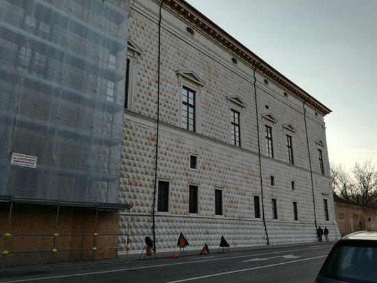 Palazzo dei Diamanti: IMG_20180120_160815_large.jpg
