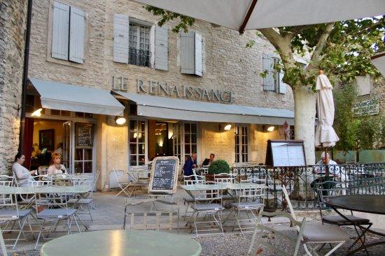 La renaissance gordes place du chateau restaurant for Hotels gordes