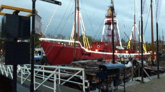 Texel, The Netherlands: Lichtschip is gebouwd in Den Helder in 1956 op de toenmalige werf Willemsoord alwaar het nu ligt