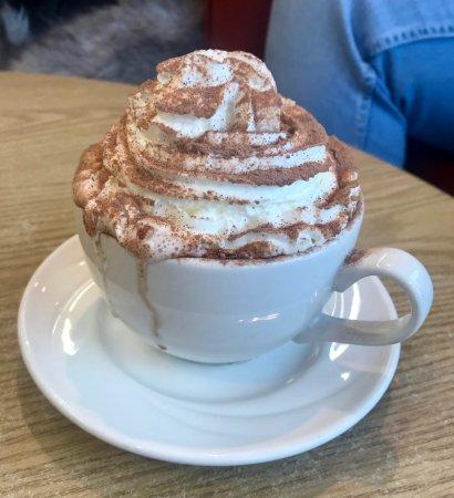 Sandbanks Beach cafe: Hot Chocolate