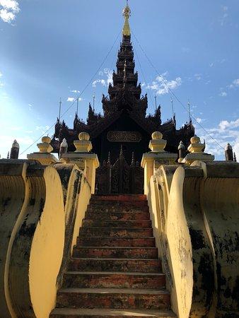 Chaukhtatgyi Buddha Photo
