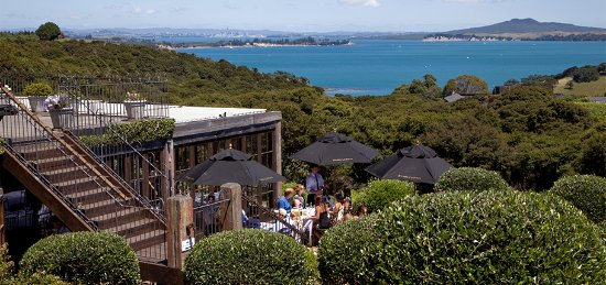 Waiheke Custom Wine Tours: Mudbrick restaurant looking back to Auckland