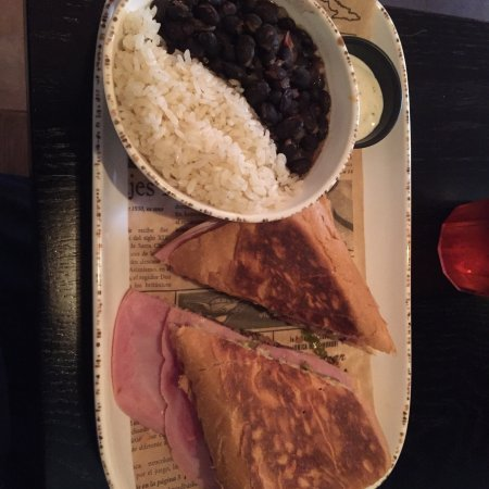 Beni's Cubano: photo5.jpg