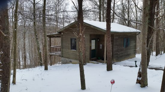 The Inn & Spa at Cedar Falls: Our little cabin in the woods looks very rustic but inside it is luxurious and cozy,