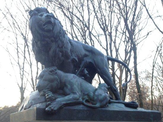 "Skulptur ""Löwengruppe"""