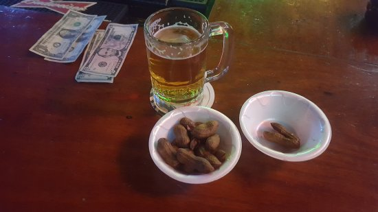 Port Salerno, FL: Nuts & Beer