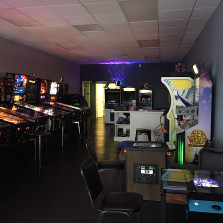 Bristol, TN: Flip Side Retro Arcade