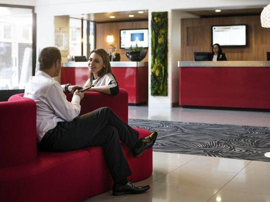 Novotel paris suresnes longchamp 132 1 4 2 updated 2018 prices hotel reviews france - 7 rue du port aux vins 92150 suresnes ...