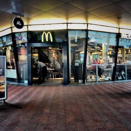 Ronde Tafel Amstelveen.Mc Donald S Amstelveen Restaurantbeoordelingen Tripadvisor