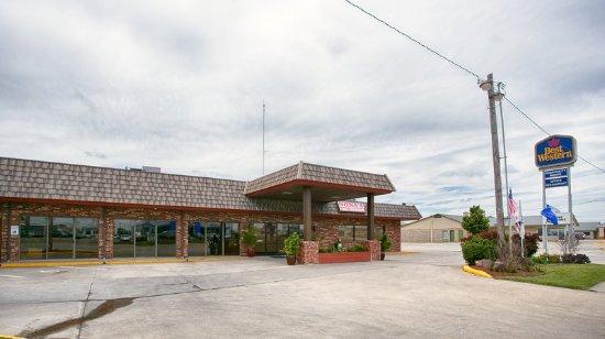 Emporia, KS: Exterior