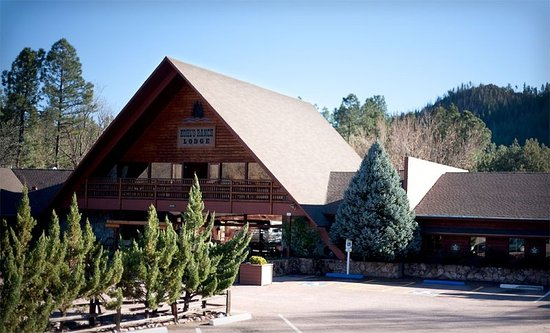 Kohl's Ranch Lodge: Exterior