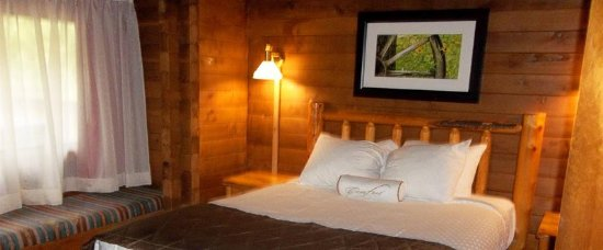 Kohl's Ranch Lodge: Guest room