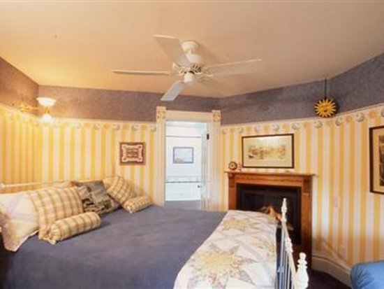 Bellevue, IA: Guest room
