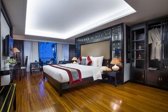 Golden lotus boutique hotel 37 5 4 updated 2019 for Design boutique hotel hanoi