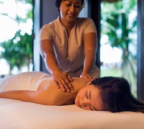 asian-massage-travel-red-haired-woman-masturbating