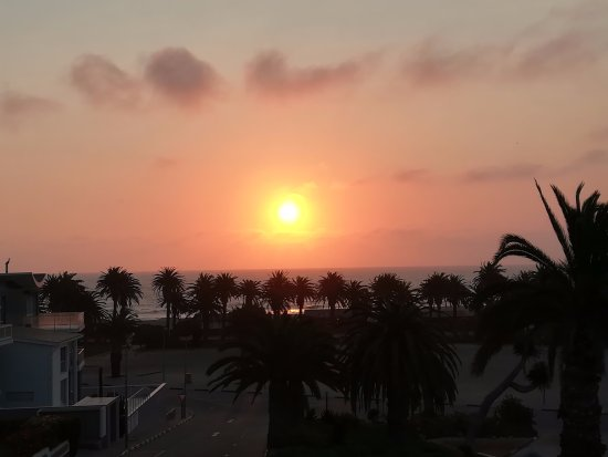 Hotel Pension Rapmund: Sunset from one of the sea view rooms.