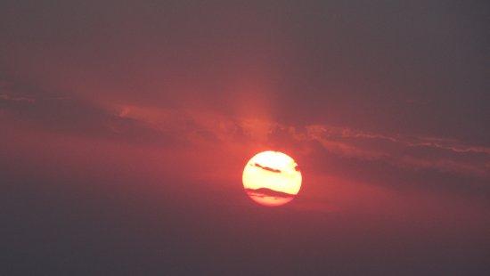Mara Triangle: sundowner at the mara