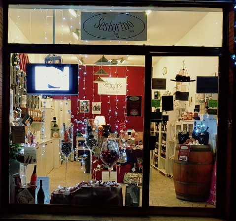 Sesto Fiorentino, Italy: entrata negozio