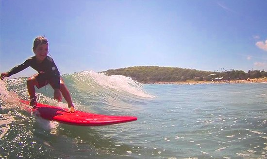 Agnes Water, Australië: No matter your age or size, we'll get you shredding real waves on your own