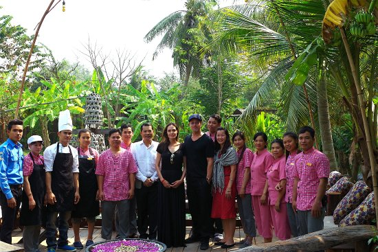 Maisons Wat Kor team took photos with Ms. Angelina Joli and Mr. Brad Pitt during their stay with